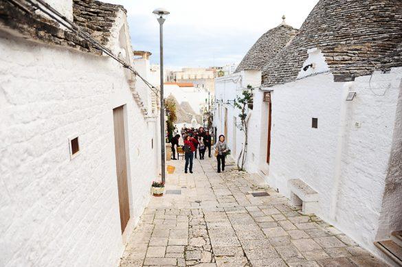 Turistična ulica v Alberobello