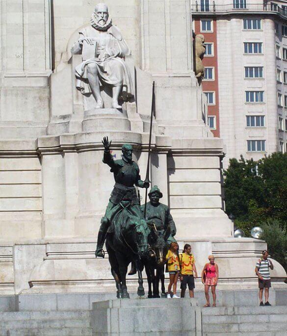 kip cervantesa v Madridu ter don kihot in sančo pansa