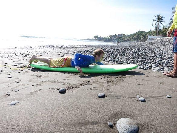 učenje surfanja, El Tunco, Salvador