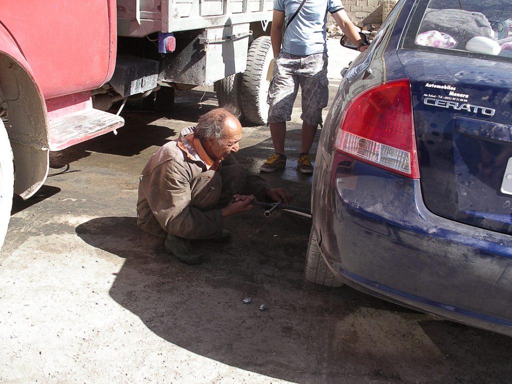 popravilo najetega avtomobila v Maroku