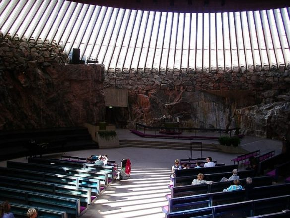 notranjost rock church helsinki