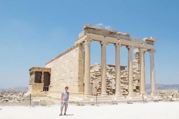 Rok pred Ateninim templjem na akropoli
