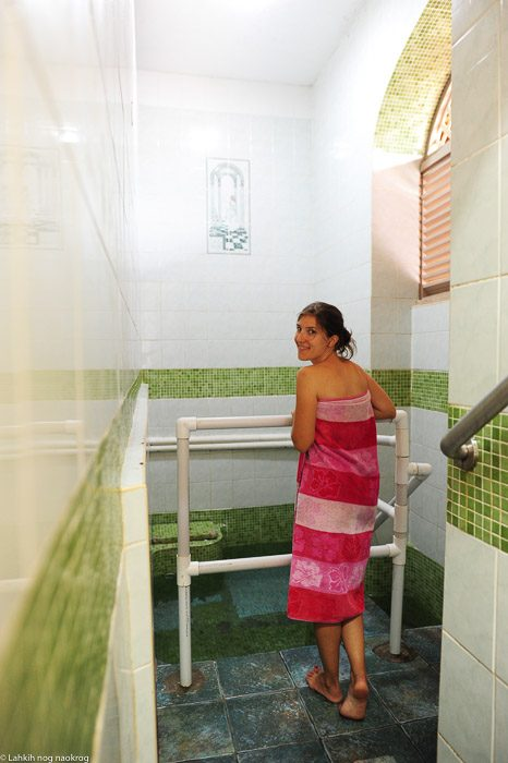 ženska v toplicah, jamajka