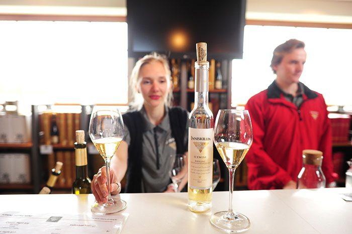 Ledeno vino Inniskillin v Kanadi v bližini Niagarskih slapov