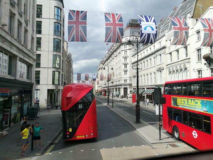 Double decker avtobus v Londonu