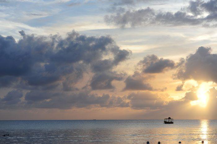 Sončni zahod plaža 7 mile Beach, Negril, Jamaica