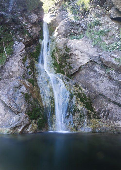 slap in večji tolmun pod njem v Peklu pri Borovnici
