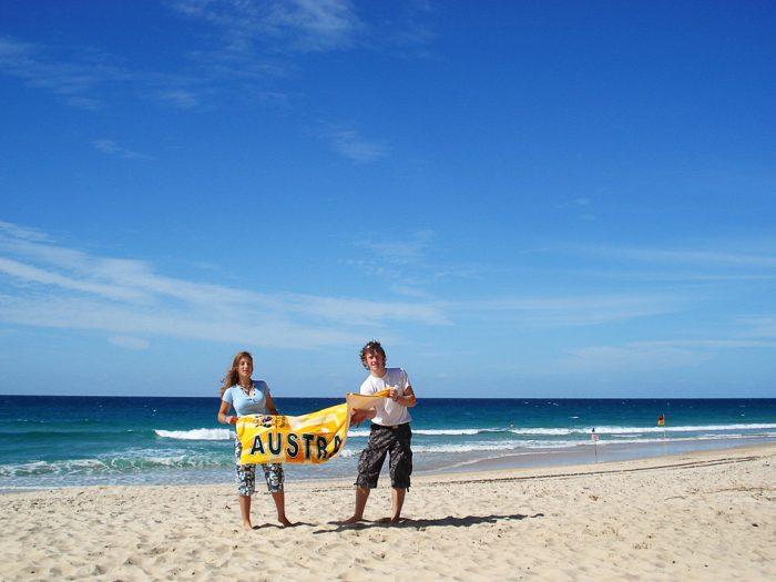 par na avstralski plaži
