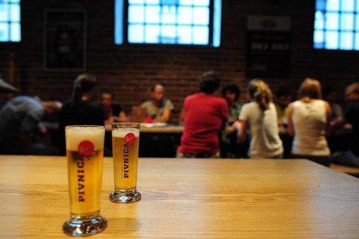 kozarec piva v pivnici Union
