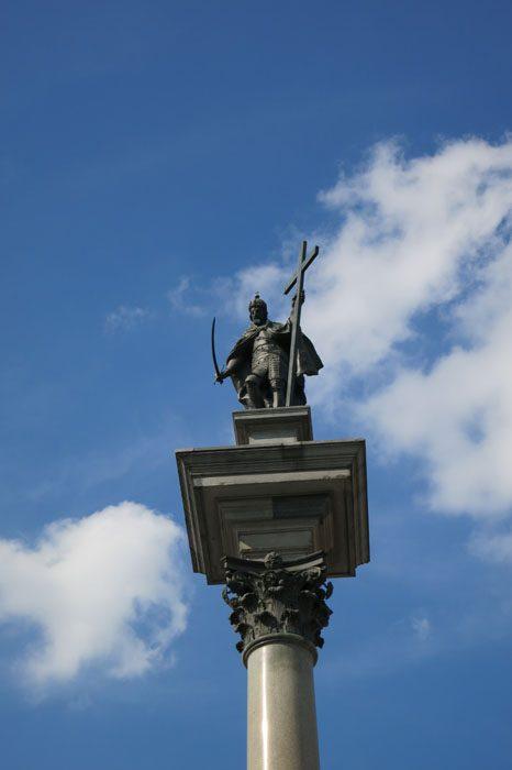 Kip kralja Zygmuta pred kraljevim dvorcem v Varšavi