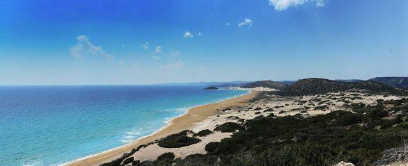 turkizno moro morje Golden Beach, Severni Ciper