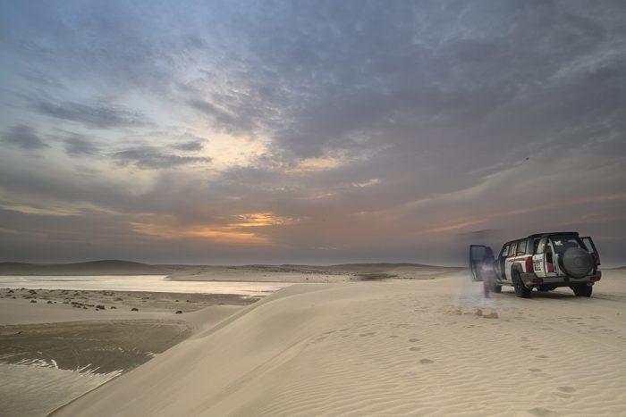 4x4 v puščavi v Katarju - načrt brezplačno potovanje po Katarju