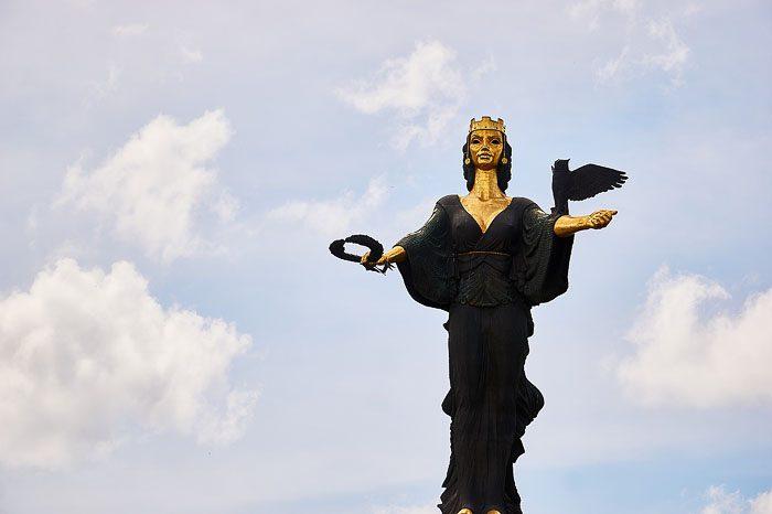Kip sv. Sofija, zavetnica mesta sofija