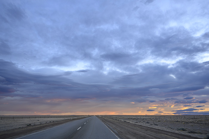 Ruta 40, Argentina je ravna cesta sredi patagonske stepe