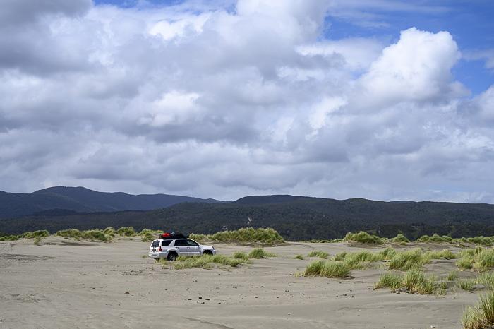 Toyota 4runner na peščeni plaži