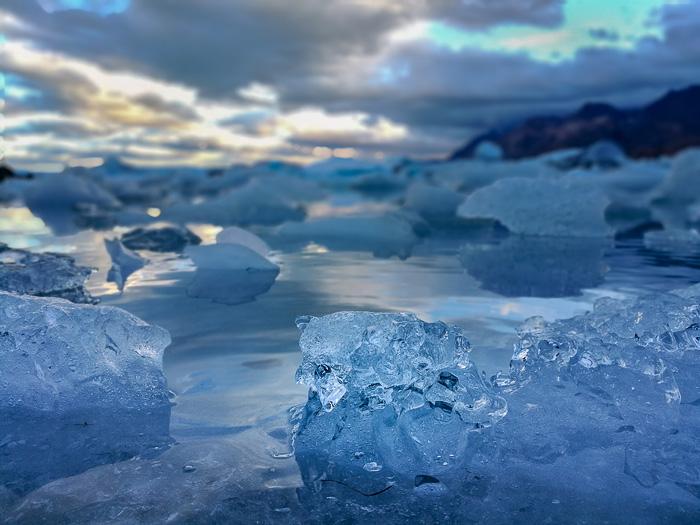 kosi ledu v jezeru