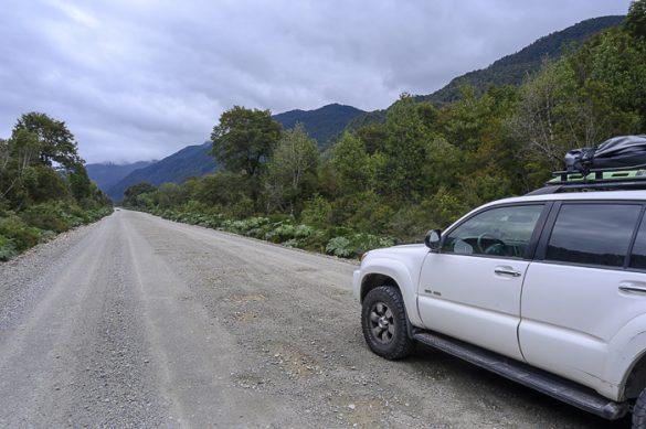 toyota 4runner na makadamski cesti Carratera Austral