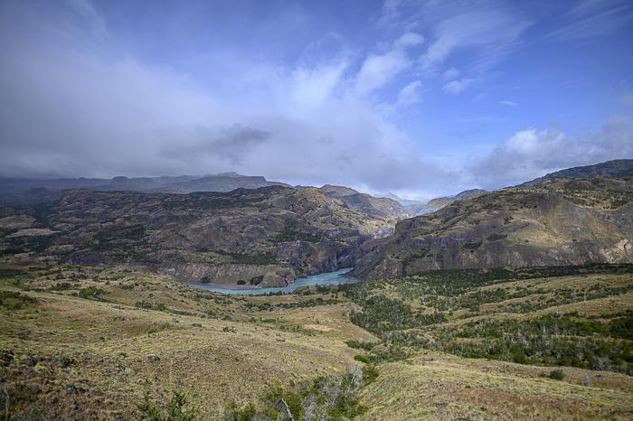 reka v dolini v Patagoniji