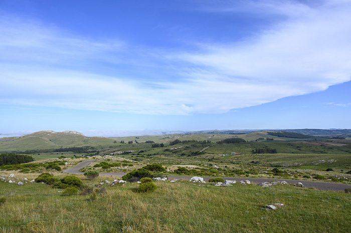 zelena gričevnata pokrajina centralnega Urugvaja