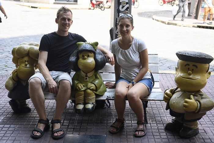 Par s kipom Mafalde v Buenos Airesu