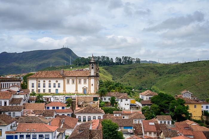 srednjeveški dvorec nad mestom Ouro Preto