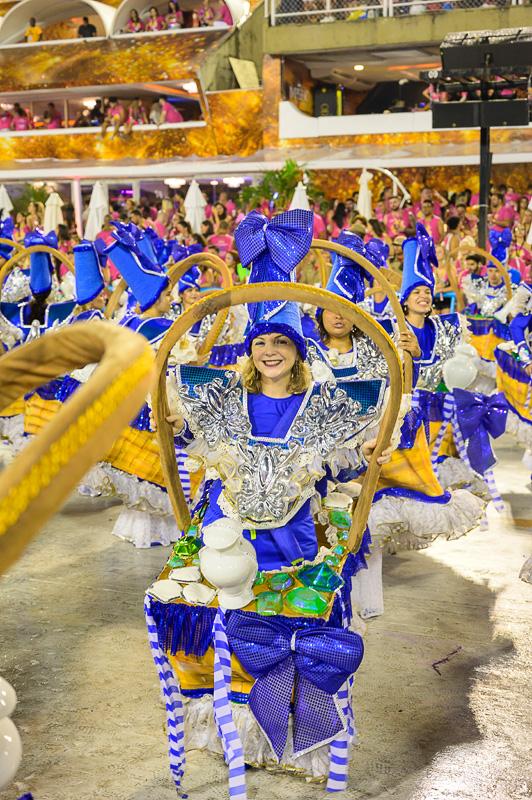 kostum na karnevalu v rio de janeiru