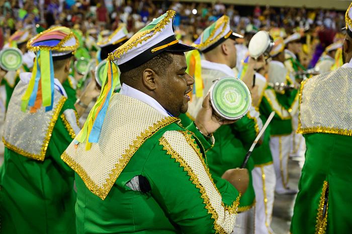 bobnar na karnevalu v Riu