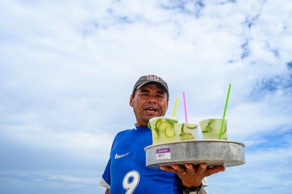 prodajalec koktejlov na plaži Copacabana