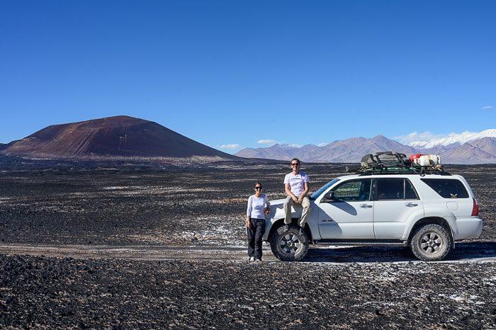 par z avtom pred vulkanom carachi