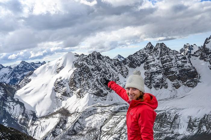 ženska pred Pico Eslovenia