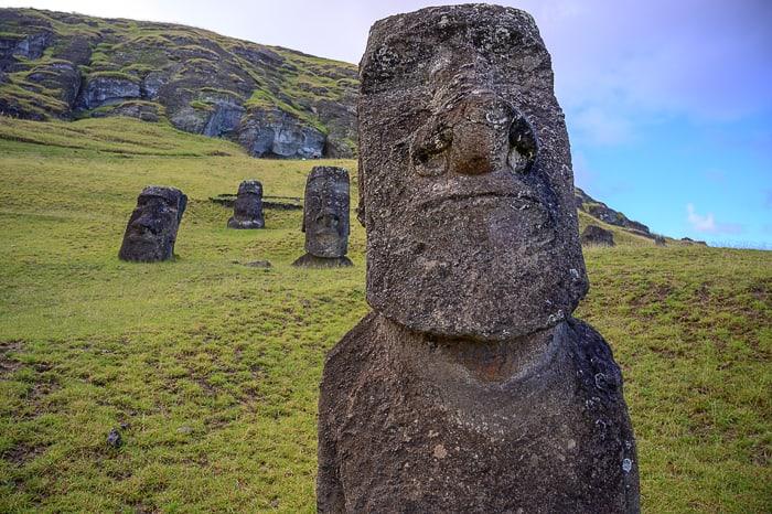 moai v ranu raraku