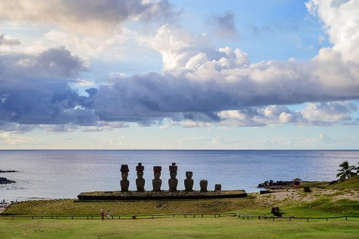 moai na plaži Anakena