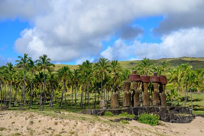 moai kipi na plaži Anakena