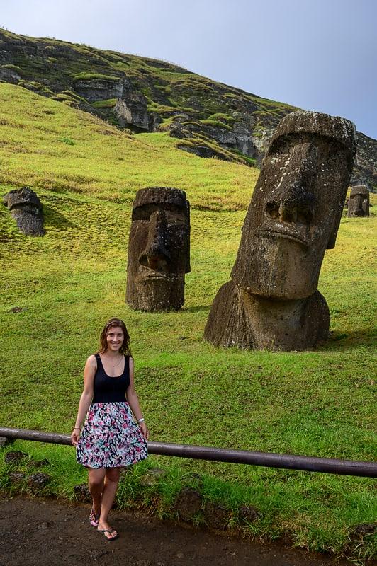 žemska in moai kip