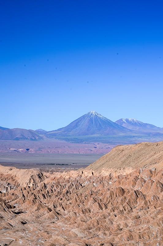 Valle de la marte in vulkan licancabur v ozadju