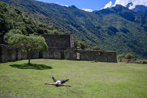ženska leži na plaza mayor, Choquequirao