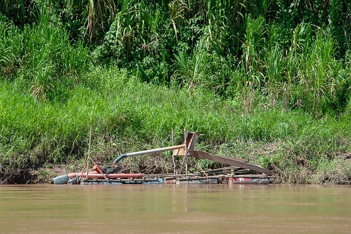 naprava za iskanje zlata, reka tambopata