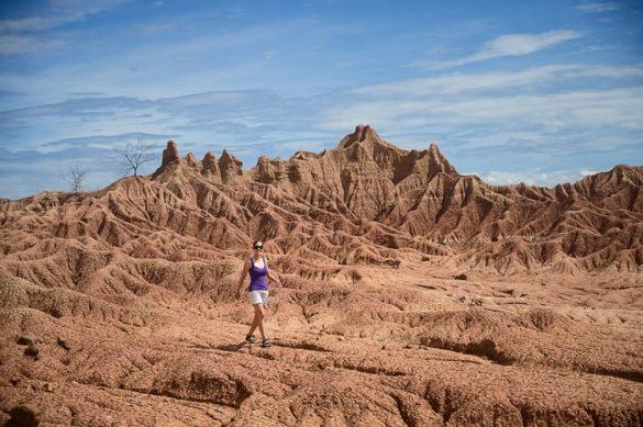 ženska v puščavi Tatacoa