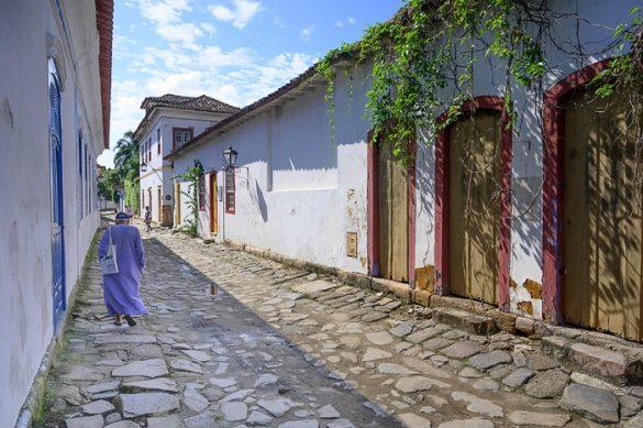 tlakovana ulica v Paraty