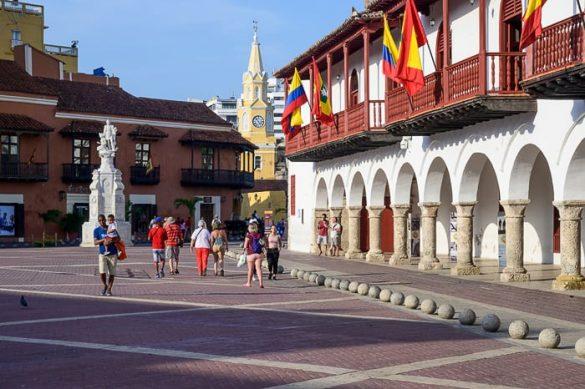 trg z zastavmi Cartagena, Kolumbija