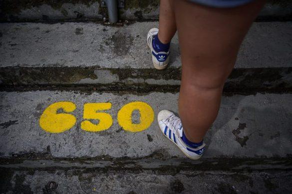 številka na stopnici na Piedra Penol