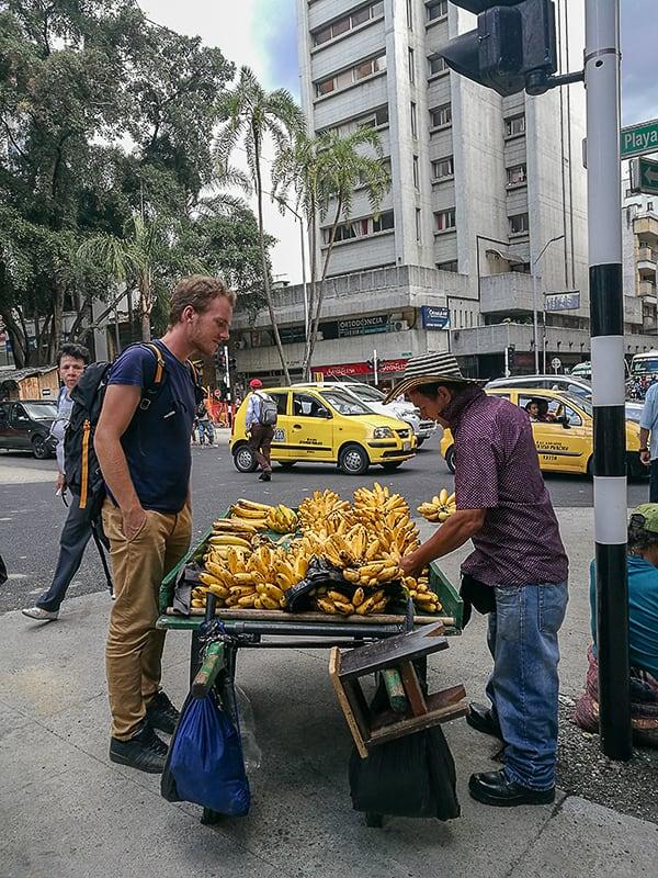 stojnica z bananami, Medellin