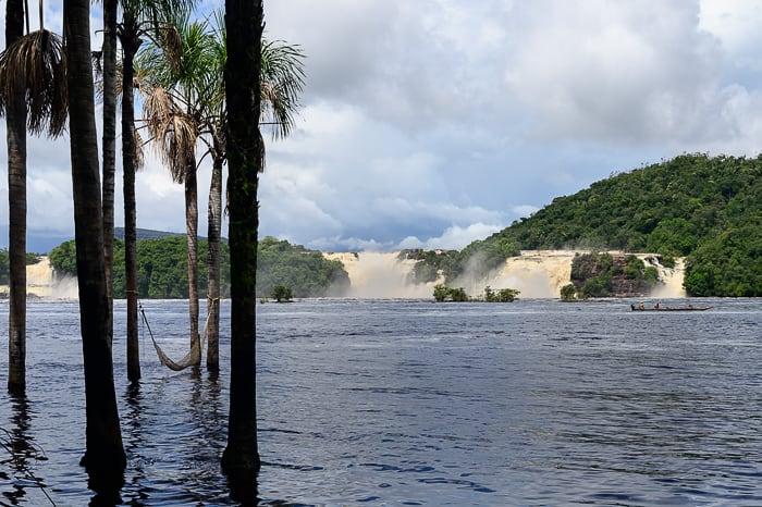 Canaima lagoon