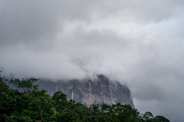 mizasta gora s slapovi
