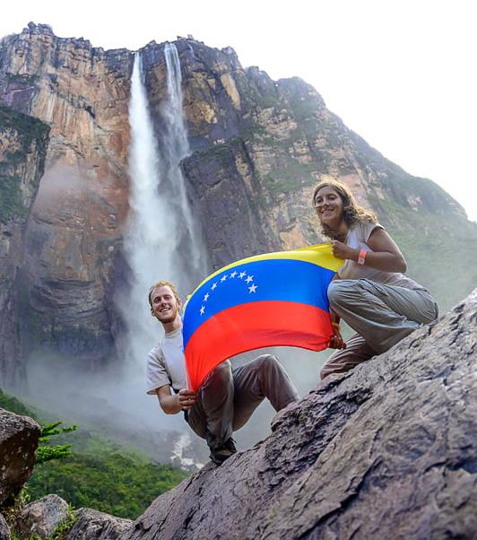 venezuelska zastava pod Angelovim slapom