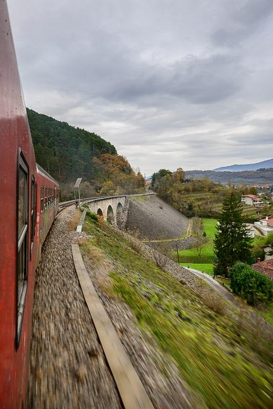 dizelski vlak slovenskih železnic