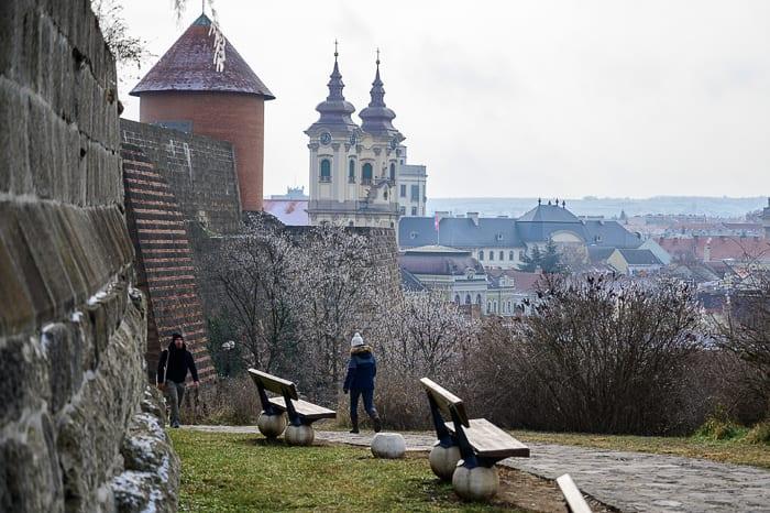 cerkev v mestu Eger