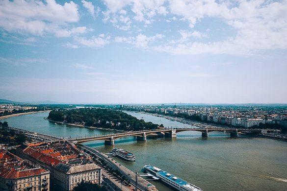 margaretin otok se nahaja na sredini Donave med Budo in Pešto