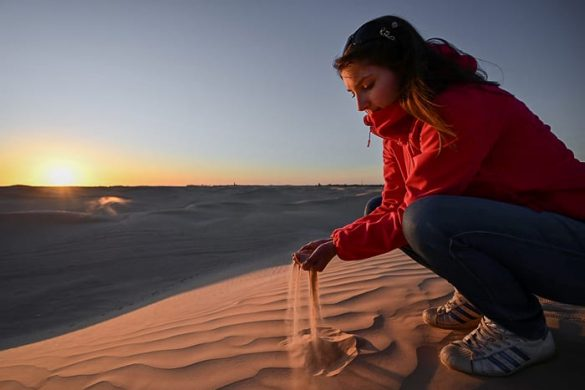 ženska v Sahari