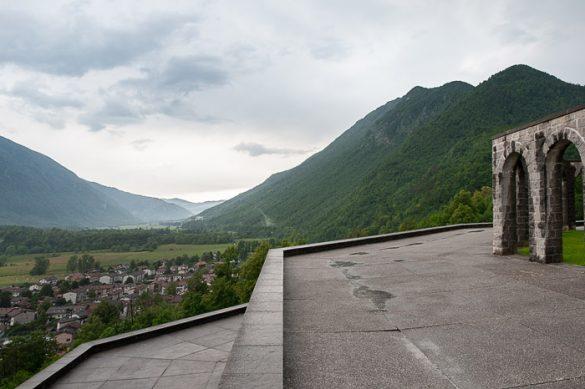 pogled po dolini reke Soče. Izlet v posočje